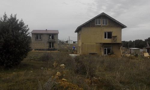 два жилых дома на одном земельном участке
